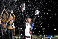 Kevin Harvick, Stewart-Haas Racing, Jimmy John's Ford Fusion celebrates