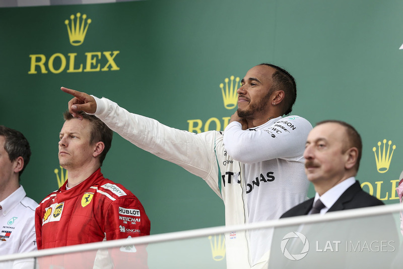 Podio: ganador, Lewis Hamilton, Mercedes-AMG F1