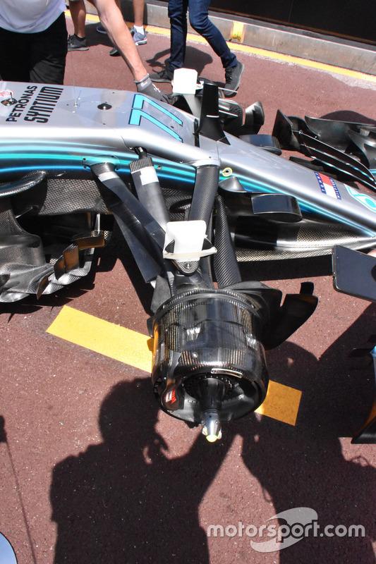 Mercedes-AMG F1 W09, sospensione anteriore
