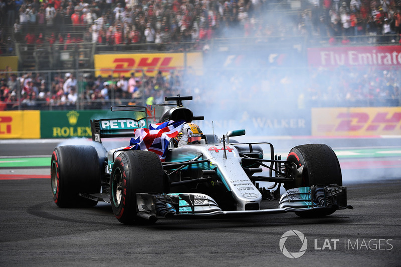 2017 world champion lewis hamilton mercedes amg f1 at mexican gp. Black Bedroom Furniture Sets. Home Design Ideas