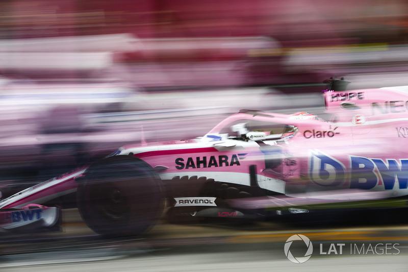 Arrêt au stand pour Sergio Perez, Force India VJM11