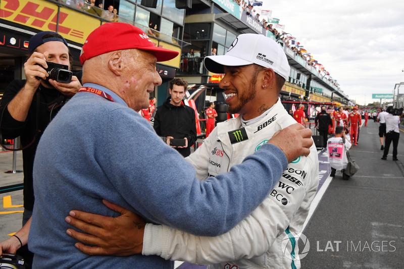 Pole sitter Lewis Hamilton, Mercedes-AMG F1 celebrates in parc ferme with Niki Lauda, Mercedes AMG F1 Non-Executive Chairman