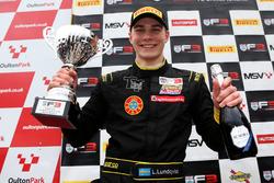Podio: il vincitore della gara Linus Lundqvist, Double R