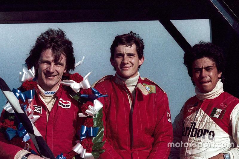 Ganador de la carrera Rick Morris, campeón de la serie y en segundo lugar Ayrton Senna, tercer lugar Alfonso Toledano