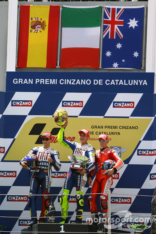 Podium: pemenang Valentino Rossi, Yamaha Factory Racing, peringkat kedua Jorge Lorenzo, Yamaha Factory Racing, peringkat ketiga Casey Stoner, Ducati Team