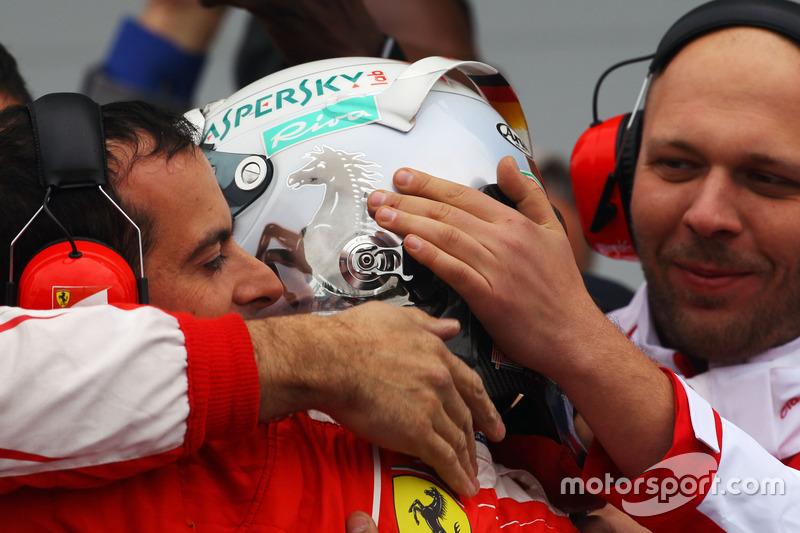 Себастьян Феттель, Ferrari святкує своє друге місце в закритому парку