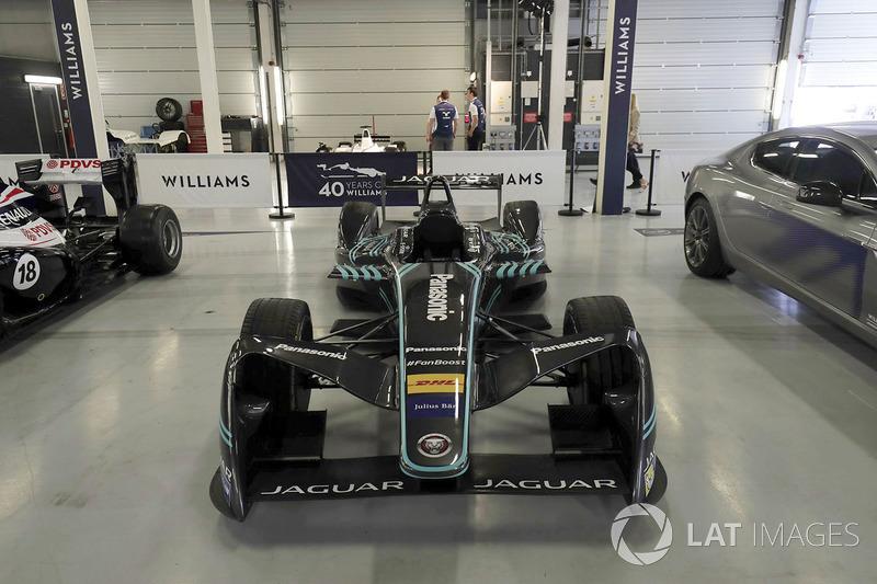 Автомобиль Jaguar для Формулы E