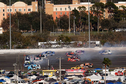Jimmie Johnson, Hendrick Motorsports Chevrolet, Clint Bowyer, Stewart-Haas Racing Ford, Kevin Harvick, Stewart-Haas Racing Ford, D.J. Kennington, Gaunt Brothers Racing Toyota, crash