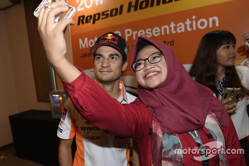 Dani Pedrosa, Repsol Honda Team con fan