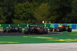 После аварии: Даниэль Риккардо, Red Bull Racing RB13