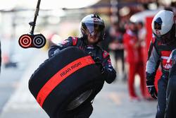 Haas F1 Team практикує піт-стоп