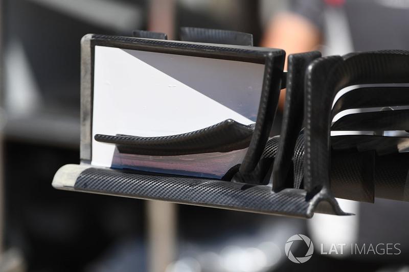 Haas F1 Team VF-17 ön kanat detay