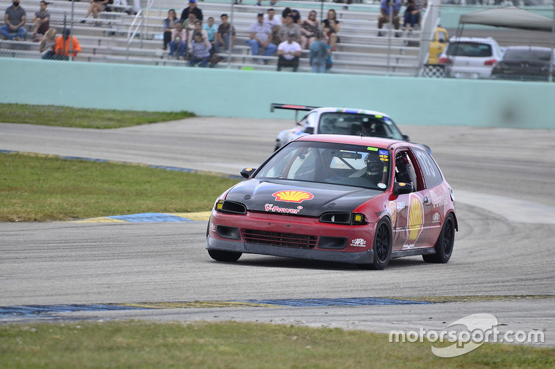 #173 MP3B Honda Civic driven by David Dunn of Scuderia Shell Burbank