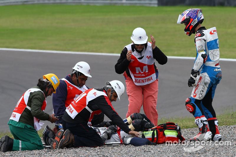Fabio Quartararo, Pons HP 40 and injured Axel Pons, RW Racing GP after crash