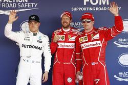 Обладатель поул-позиции Себастьян Феттель, Ferrari, Кими Райкконен, Ferrari, – второе место, Валттер