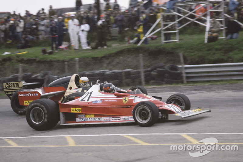 Gilles Villeneuve, Ferrari 312T2 pasa a Jody Scheckter, Wolf Ford