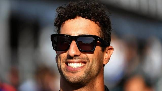 What's behind Ricciardo's shock Renault move?