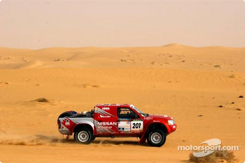 Dakar: Nissan stage six report