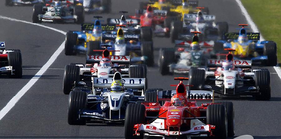 Schumacher cruises to Japanese GP victory