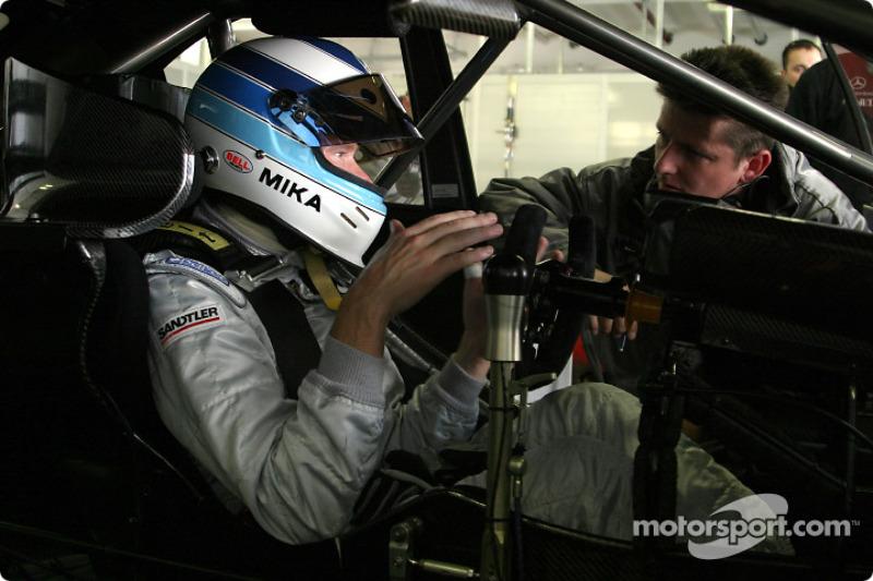 Mercedes confirms 2005 line up