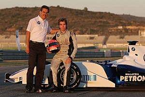 Formula BMW Eng dominates the World Final in Valencia
