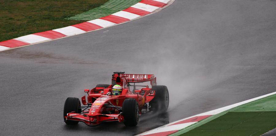 F1 plea: Rain, rain, please flee Spain