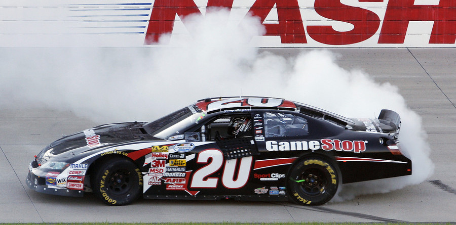 Logano holds off Busch for Nashville victory