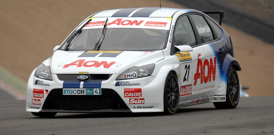 Onslow-Cole takes maiden pole at Oulton Park