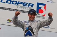 Dias wins tyre lottery at Snetterton