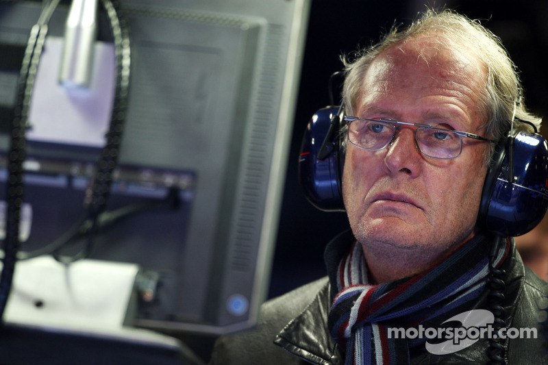 2011 Pirelli tyre development important - Marko
