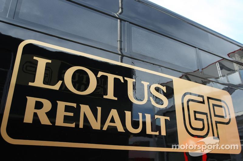 Report - Designer Densham Leaves Renault