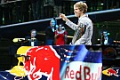 Red Bull makes 'Vettel 2011 champion' t-shirts