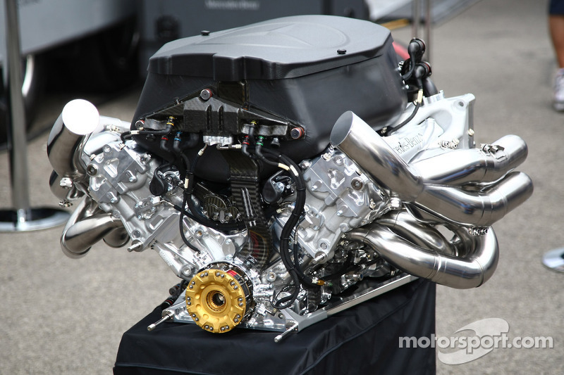 Mercedes Feature - Accelerated Development with Petronas