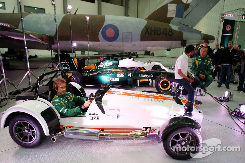 Fernandes smiles after $28m payday for Caterham team
