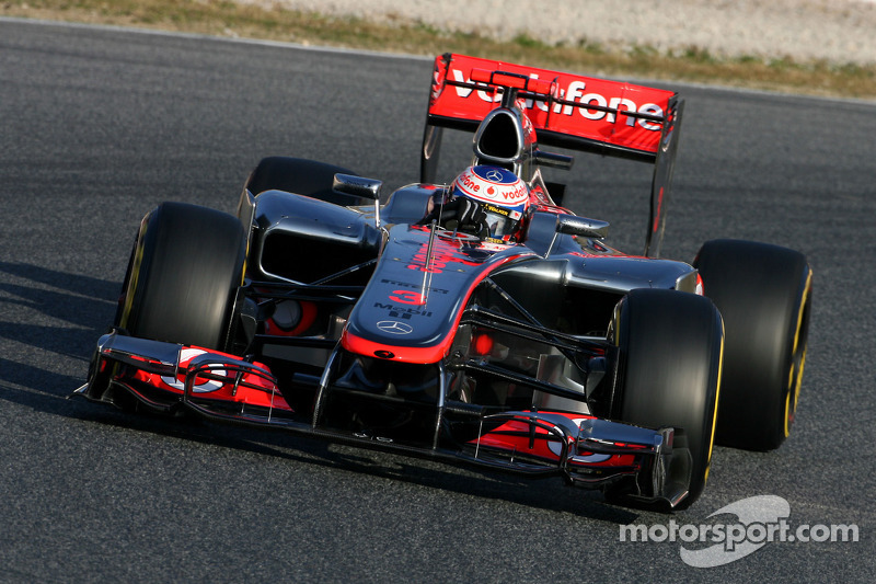 McLaren travel to Australian GP in Melbourne to put on a world-beating show