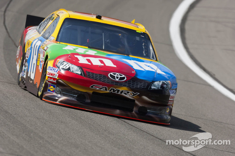 Kyle Busch nails All-Star pole at Charlotte