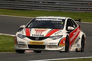 BTCC Qualifying report Neal grabs first pole of 2012 at Croft