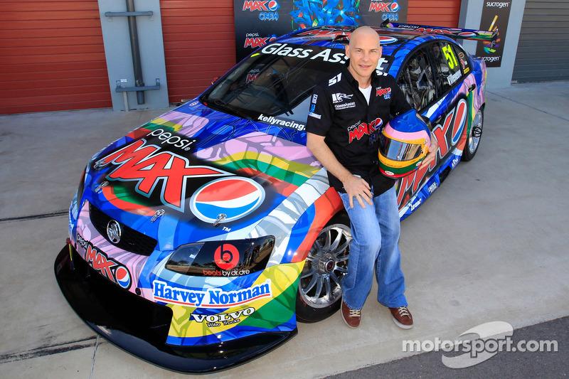Jacques Villeneuve saddles up for Townsville 400