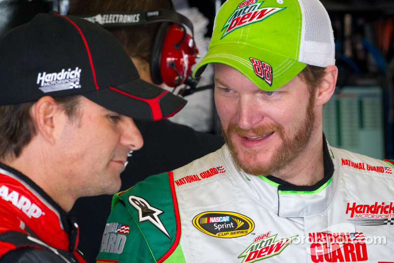 """Jeff Gordon """"Tell the F*cken 88 he can thank me later for not wrecking his arse"""" - Video"""