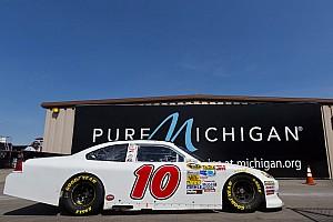 NASCAR Cup Race report David Reutimann scores top-25 finish at Michigan