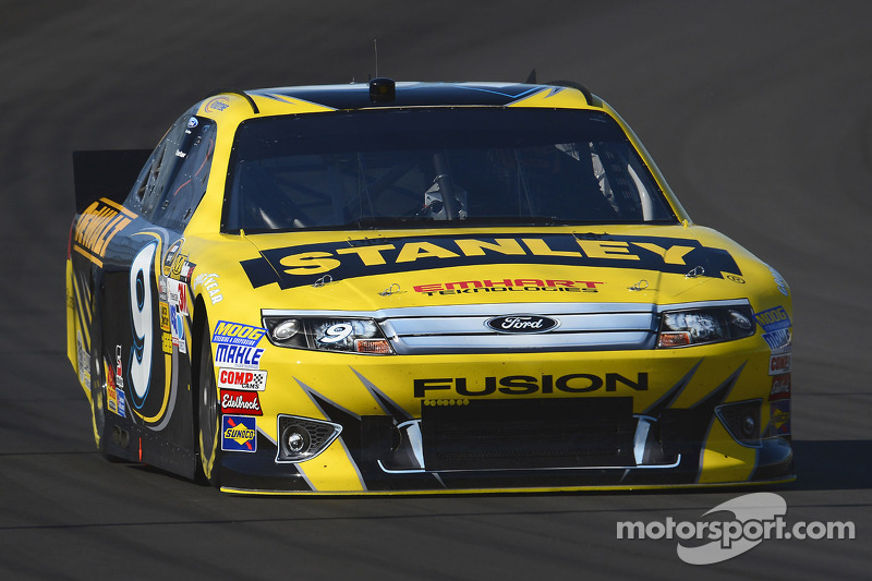 Ambrose heads to Chicagoland with new crew