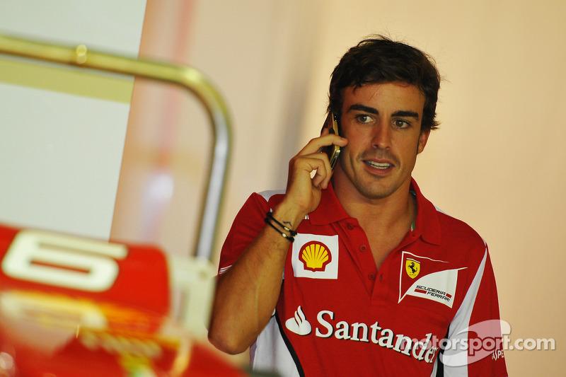 Ferrari-linked drivers make Alonso 'laugh'