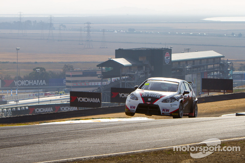 Monteiro says farewell to SEAT with two points finishes at the USA debut in Sonoma