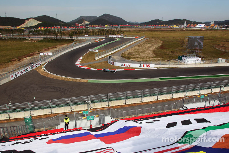 Schumacher and Rosberg completed a total of 112 laps on Korean GP Friday Practice