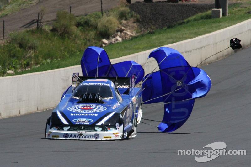 John Force Racing seeking a big weekend at Las Vegas
