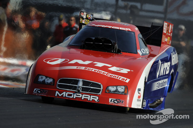 Gray produce a good showing on first day of NHRA Finals at Pomona