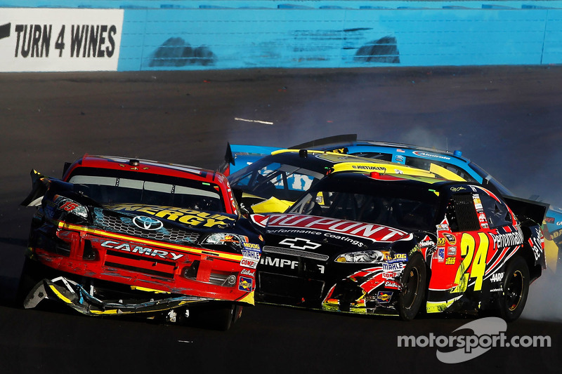 Bowyer and Gordon incident causes fist-cuffs at PIR - video