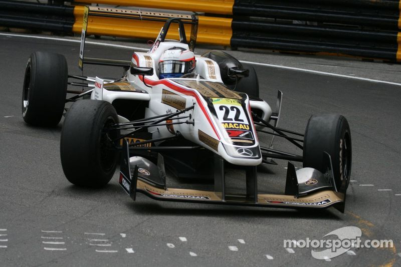 Felix Rosenqvist finishes second after vying for Macau win