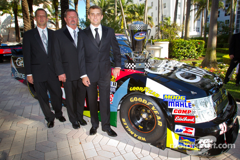 Awards banquet in Miami Beach honors NNS and NCWTS champions