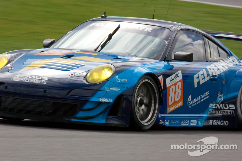 Ruberti pleased to receive the LMGTE AM year end trophy